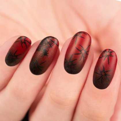 طرح ناخن جذاب قرمز و مشکی عنکبوتی برای هالووین