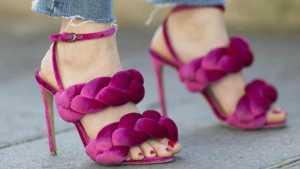 کفش پاشنه بلند بنفش