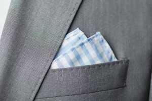 تای دستمال جیب کت مردانه به شکل نوک نیز دو لبه