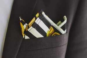 تای دستمال جیب کت مردانه به شکل نوک نیز سه لبه