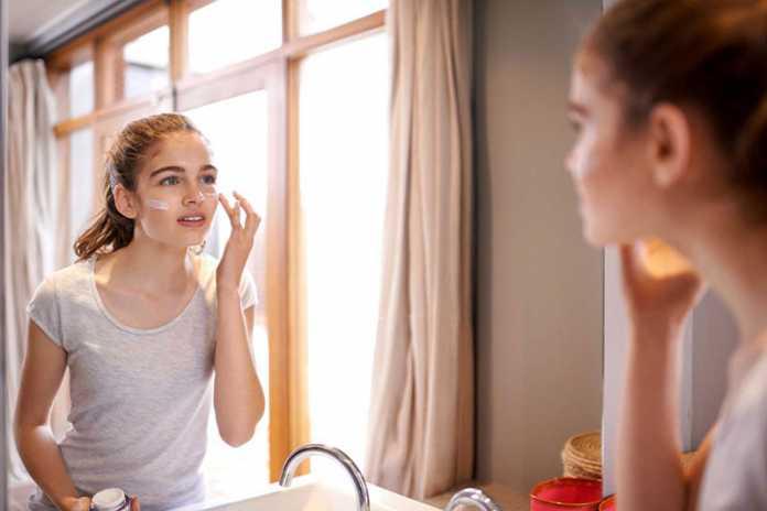 روش های درمان خانگی پوست چرب