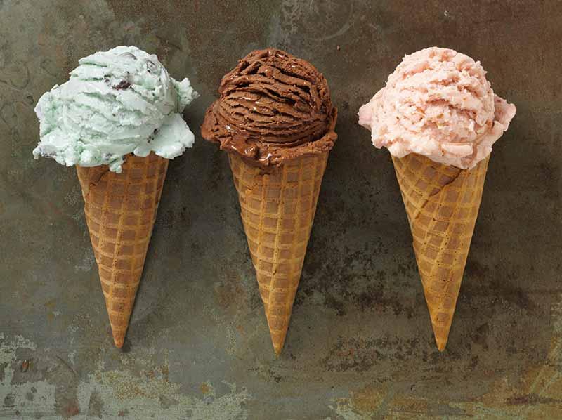 سه طعم متفاوت بستنی