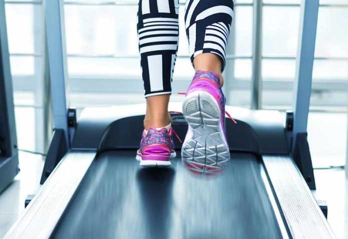 آیا دویدن روی تردمیل بهتر است یا پیاده روی؟