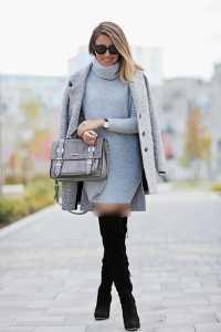 استایل یک خانم با پیراهن کوتاه و بوت بلند در زمستان