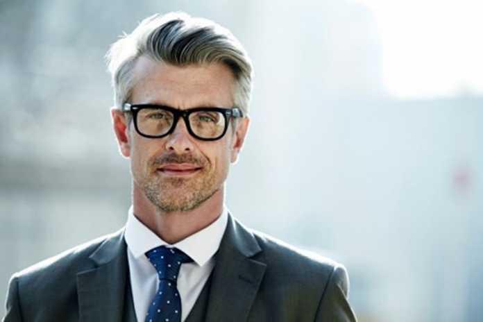 روش های خانگی برای جلوگیری از سفید شدن مو در جوانی