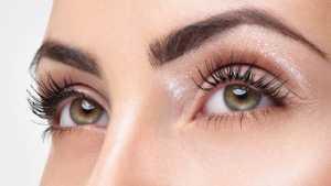 چشمان یک خانم