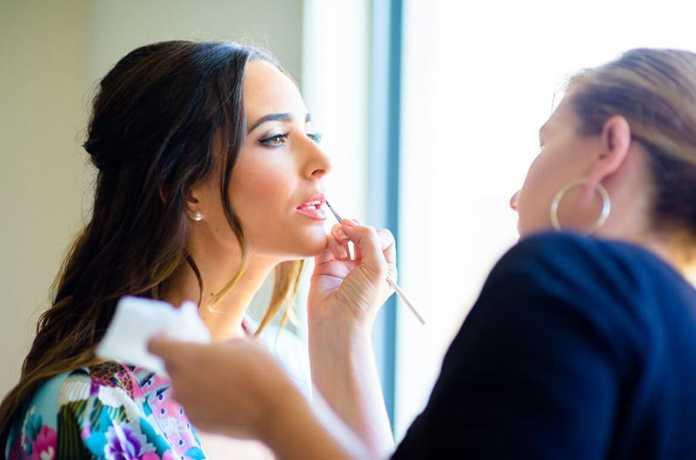 نکات کشیده نشان دادن صورت گرد با آرایش