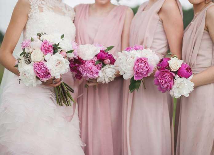 یک عروس با چند ساقدوش عروس