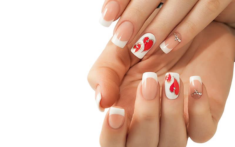 طراحی ناخن - فرنچ با قلب قرمز