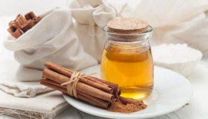 ماسک دارچین و عسل برای درمان جوش