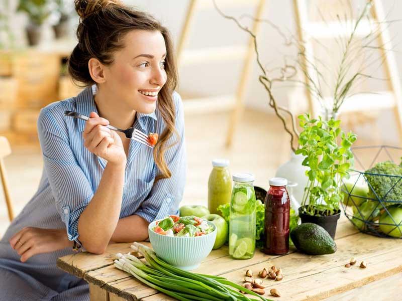 خوردن غذاهای رژیمی مناسب برای لاغری