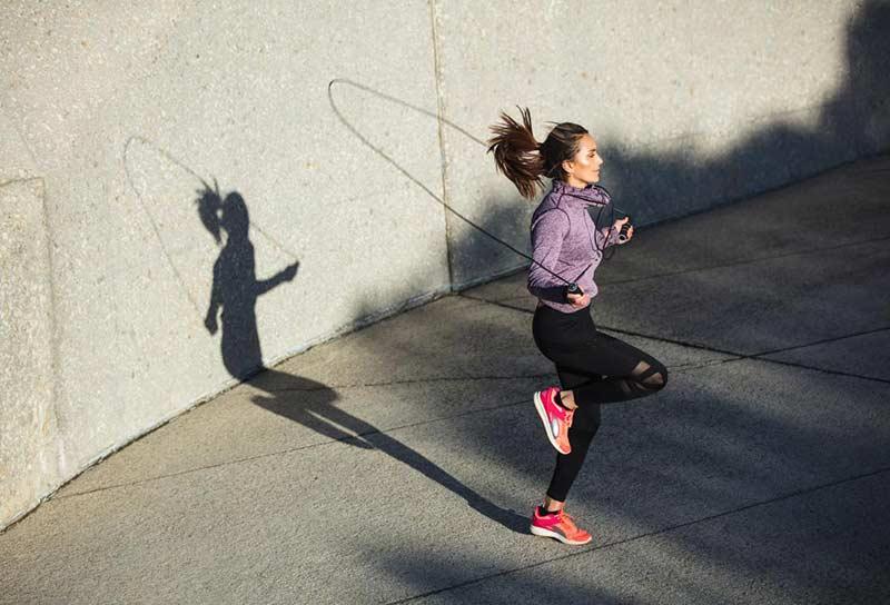 طناب زدن برای افزایش کالری سوزی و لاغری