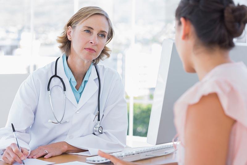 مشورت با پزشک جهت بررسی مشکلات سلامتی که مانع از لاغر کردن می شوند