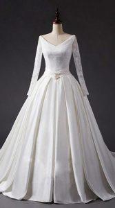 لباس عروس با یقه هفت برای اندام ساعت شنی