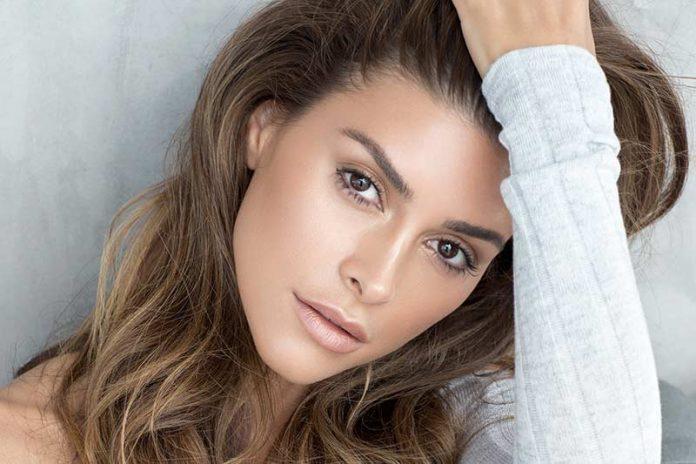 بیوگرافی شیوا صفایی مدل ایرانی