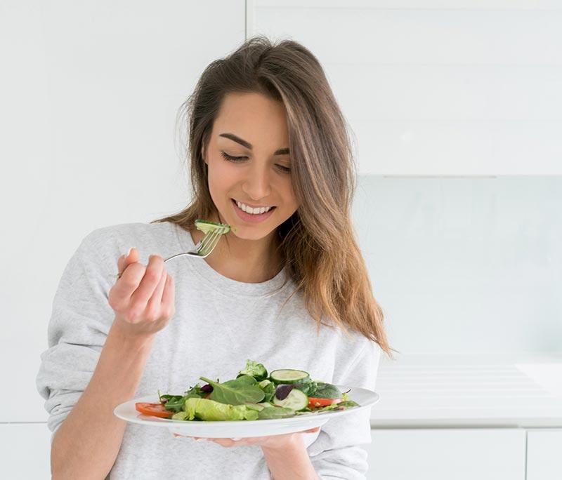 خوردن خوراکی های سالم و مفید برای لاغری