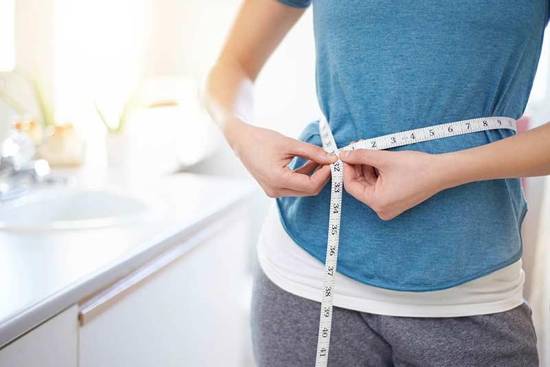 اندازه گیری دور شکم برای بررسی نتایج برنامه لاغری