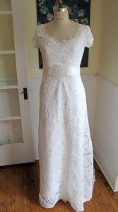 لباس عروس ساده برای اندام گلابی شکل
