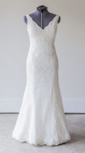 مدل لباس عروس با یقه باز برای اندام گلابی شکل