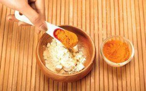 ماسک زردچوبه و آرد گندم برای پوست چرب