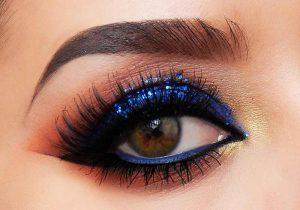 آرایش چشم با خط چشم و سایه آبی