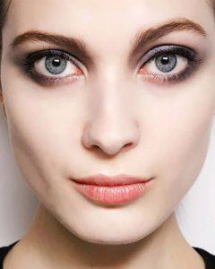 آرایش چشم ساده مناسب برای چشم های گرد