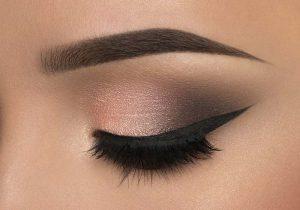 آرایش چشم اسموکی با سایه و خط چشم
