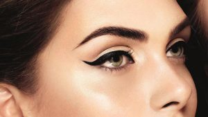 یک مدل زیبای آرایش چشم