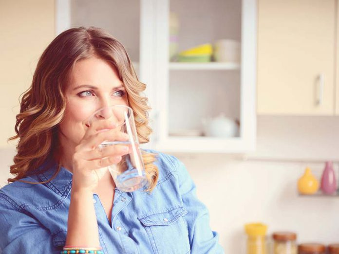 کاهش وزن از طریق رژیم لاغری آب