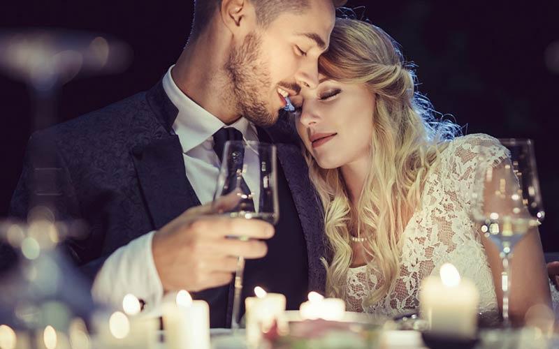 رفتار عاشقانه یک مرد با دختر مورد علاقه اش