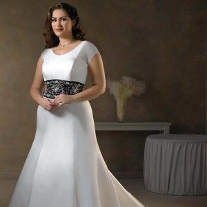 لباس عروس با پارچه ساتن ضخیم برای پوشاندن برجستگی های بدن