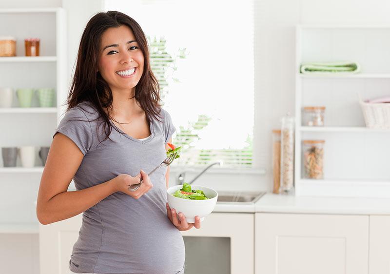خوردن غذای سالم در دوران بارداری