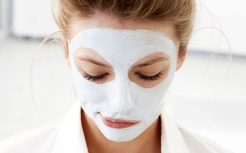 ماسک صورت طبیعی برای درمان جوش زیر پوستی