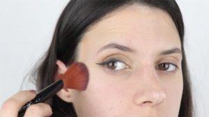 پاک کردن آرایش اضافی
