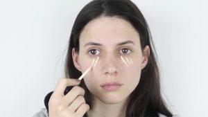 زدن کانسیلر برای انجام آرایش صورت