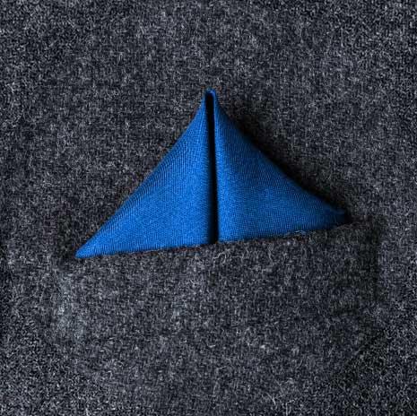 پوشت (دستمال جیب کت) مدل قله بال دار