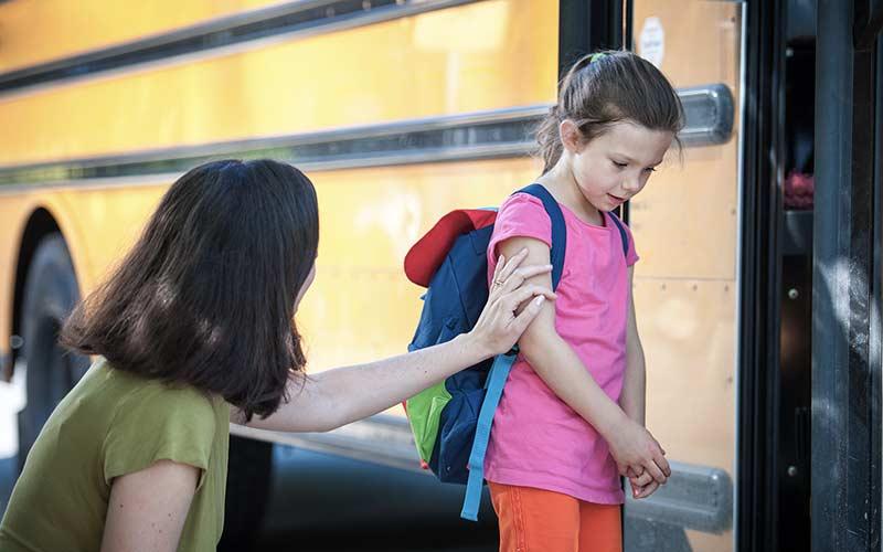خداحافظی با کودک در اولین روز مدرسه