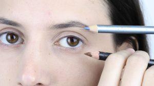 انتخاب رنگ مناسب خط چشم