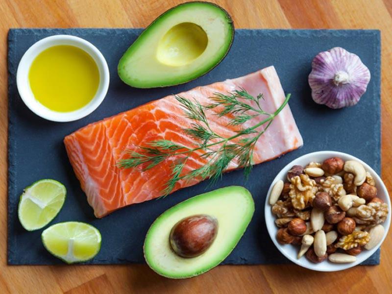 داشتن رژیم غذایی سالم و مصرف غذاهای طبیعی