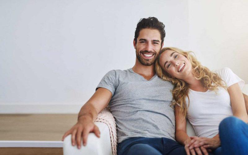 زوج خوشبخت و خوشحال