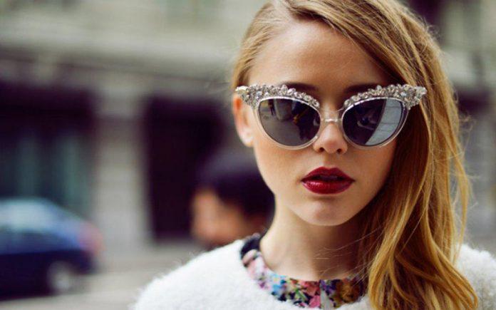 نکاتی برای انتخاب عینک آفتابی برای صورت بیضی