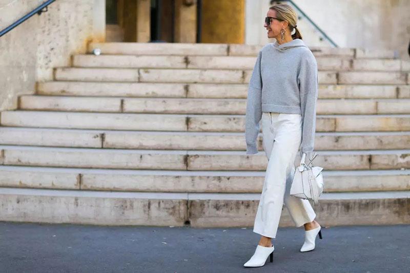 استایل نیمه رسمی خانم ها با شلوار و کفش سفید
