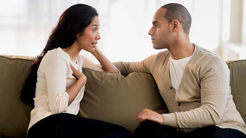 صحبت کردن یک دختر با پسر