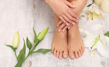 دلیل سیاهی ناخن پا چیست؟