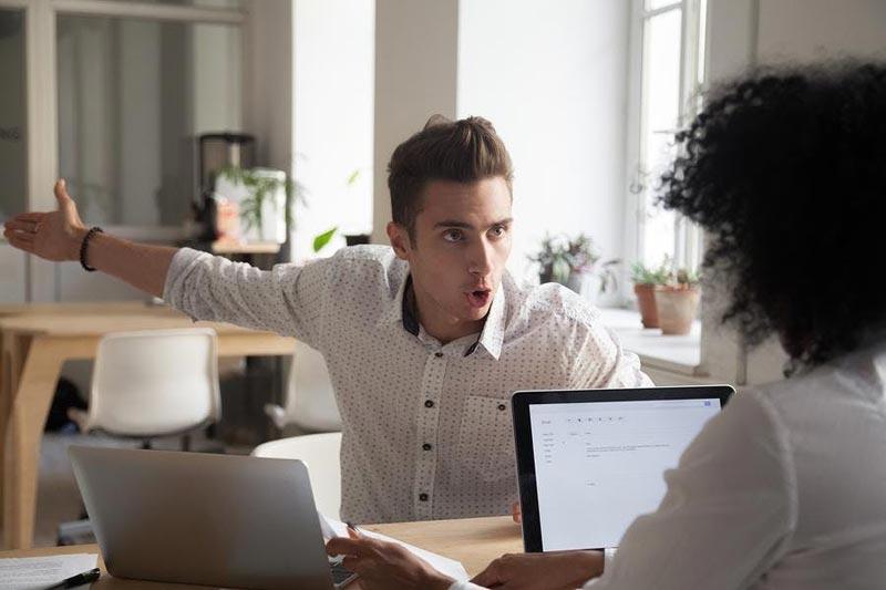 دعوا کردن در محیط کار