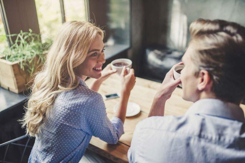 صحبت کردن یک زوج