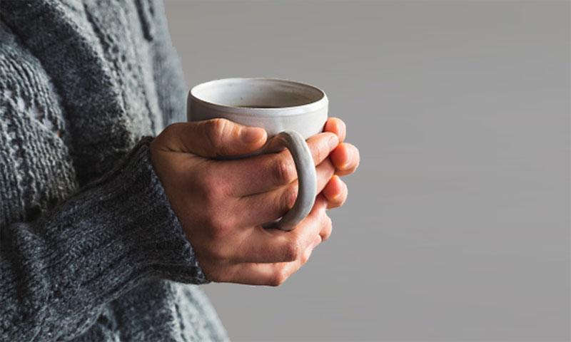 خوردن دمنوش و چای
