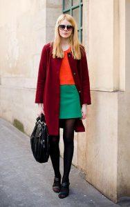 بلوز قرمز ساده و دامن سبز ساده