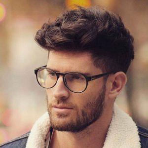 مدل موی فر کوتاه با ریش و عینک