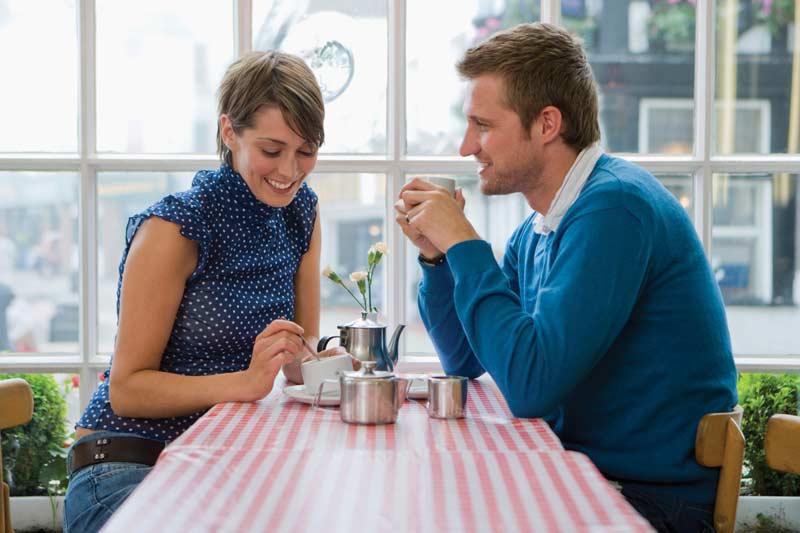 یک زوج شاد در دیدار اول